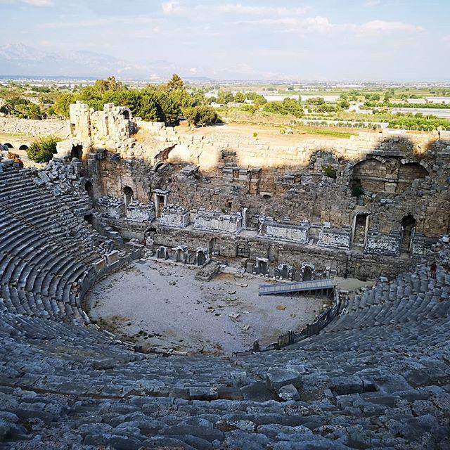 Амфитеатр Перге