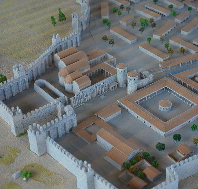 Миниатюрный план из археологического музея Анталии