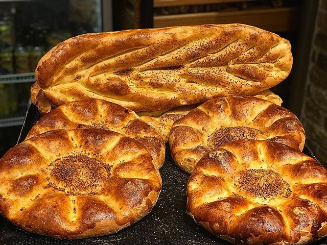 Рамазан пидеси - лепёшка, подавемая вместо хлеба