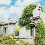 Остатки древних зданий: природа побеждает
